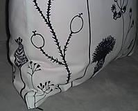 Úžitkový textil - Vankúš Čierne steblá - 7826420_