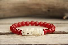 Náramky - Náramok z minerálu mesačný kameň a červený jadeit - 7826993_
