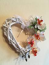 Dekorácie - Prútené srdiečko orchidea - 7829936_