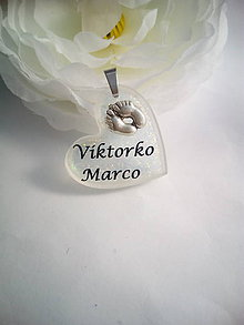 Iné šperky - Živicový osobný prívesok s Vašim textom - 7832099_