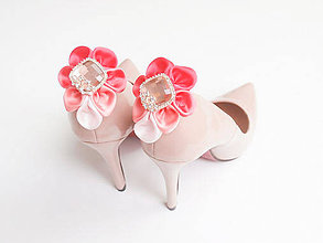 Obuv - Elegancia a la Chanel - koralové klipy na topánky de Luxe - 7827714_