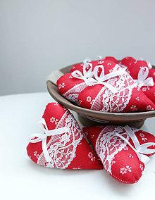 Darčeky pre svadobčanov - Srdiečka folk...červené - 7828607_