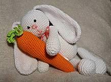 - Zajačik ušiačik s mrkvičkou :) - 7837166_
