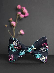 Doplnky - Pánsky štýlový motýlik čiernej farby - 7833955_