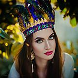 Tmavomodrá bohémská čelenka so zlatými lískami