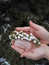 - Kvetinový hrebienok