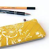 Taštičky - Peračník Žltožltý kvetovaný - 7834338_