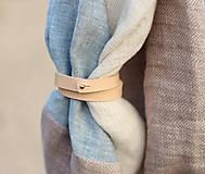 Šatky - Elegantný nákrčník z francúzskeho ľanu s koženým remienkom - 7838129_