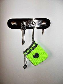 Kľúčenky - Kľúčenka reflexná, srdiečková s krúžkom a brzdičom - 7843136_