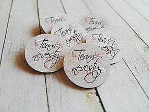 Darčeky pre svadobčanov - Team nevesty - odznaciky - 7845261_