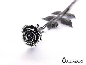 Dekorácie - Kovaná růžička - stříbrná patina - 7843005_
