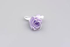 Pierko bledofialové ruža (bledofialovo-biele)