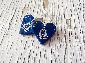Náušnice - FOLK maľovaný - modré srdiečka - 7846128_