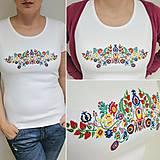Tričká - Vyšívané dámske tričko s veľkým ľudovým motívom - 7847109_