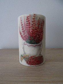 Svietidlá a sviečky - Decoupage sviečka zo 100% palmového vosku - Červené kvety - 7853049_