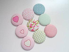 Materiál ručne robený - buttonky/gombíky  pastelové 9ks - 7851878_