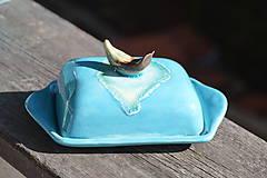 - Maselnička, nádoba na syr,