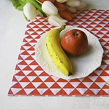 Úžitkový textil - bavlnené prestieranie 35 x 45 cm/4 ks, červené trojuholníky - 7855263_
