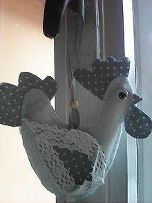 Dekorácie - Bielo-sivý  bodkovaný kohútik Kokoško - 7855525_