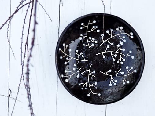 Nádoby - Keramická misa v škandinávskom štýle, čierna s vetvičkami - 7861662_