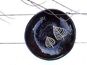 Nádoby - Keramická misa v škandinávskom štýle, čierna s dvoma listami - 7861641_