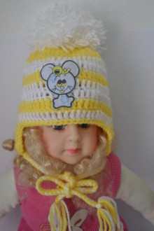 Detské čiapky - Dievčenská háčkovaná čiapočka - 7866174_