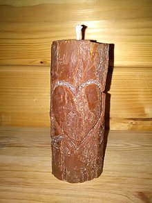 Svietidlá a sviečky - Sviečka kmienik srdiečko z rastlinného vosku - 7863420_