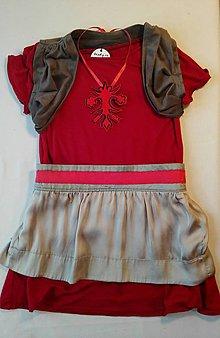 Detské oblečenie - Dievčenské šaty s folklórnym náhrdelníkom - 7863281_