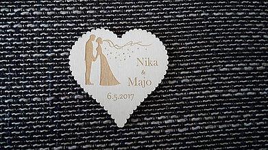 Darčeky pre svadobčanov - Srdiečko pre hostí 4 + výrezaný okraj - magnetka - 7864853_