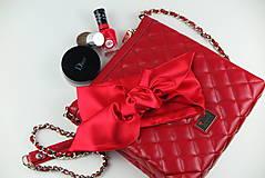 Luxusná saténová čelenka červená