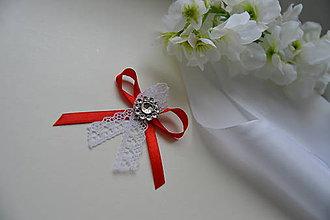 Pierka - svadobné pierko červené s čipkou - 7869440_