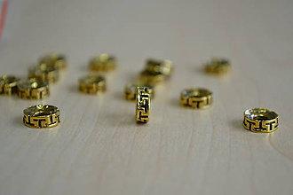 Korálky - Tibetská korálka zlatá 8mm, 0.09€/ks - 7874135_