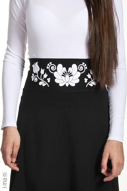Dámska sukňa A-strih KVETOVANÝ OPASOK