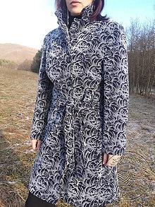 Kabáty - Sivé kvety - 7878415_
