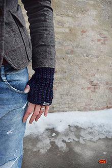 Rukavice - háčkované nátepníky, fialovozelené tlapkohřejky - 7879837_