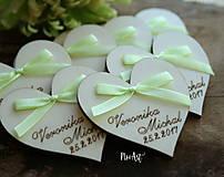 Darčeky pre svadobčanov - Svadobné magnetky srdiečko s mašličkou limetkovou - 7883737_