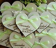 Darčeky pre svadobčanov - Svadobné magnetky srdiečko s mašličkou limetkovou - 7883739_