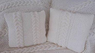Úžitkový textil - pleteny vankus - 7884942_
