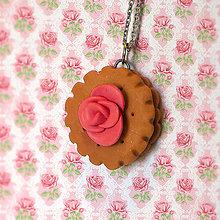 Náhrdelníky - Keksík s ružičkou - 7881855_