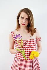 Šaty - Gingham červené šaty s kvetom  - 7885842_