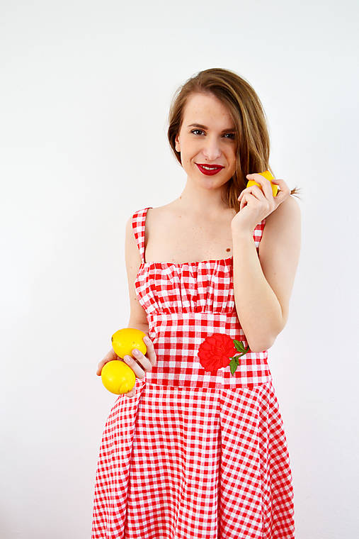Gingham červené šaty s kvetom  - obrovská zľava