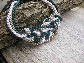 Náhrdelníky - Uzlový náhrdelník z troch šnúr (zeleno-béžovo-biely hrubší č.784) - 7891054_