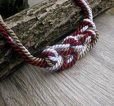 Náhrdelníky - Uzlový náhrdelník z troch šnúr (bordovo-béžovo-biely hrubší č.785) - 7891170_
