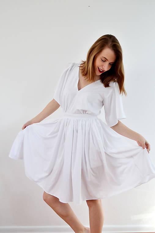 Biele letné šaty pre vílu