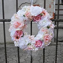 Dekorácie - Veľký dekoračný veniec na dvere, na svadbu - 7903655_