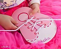 Hračky - Šnurovacia drevená topánočka - na jemnú motoriku a učenie sa mašličiek - 7900096_