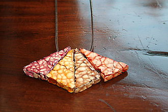 Náhrdelníky - Chameleón - 30 v 1 - meniteľný prívesok z trojuholníkových segmentov - 7902652_