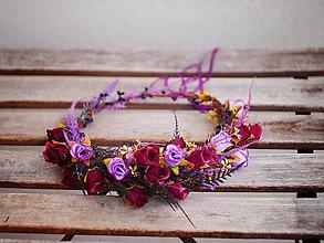 Ozdoby do vlasov - věneček s fialovými poupátky růží - 7899184_
