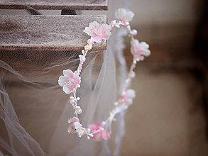 Ozdoby do vlasov - jemný věneček s jabloňovými kvítky a perličkami - 7899201_