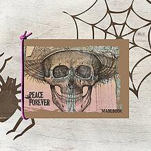 Papiernictvo - MADEBOOK blok s gumičkou A6 - PEACE forever - 7905078_